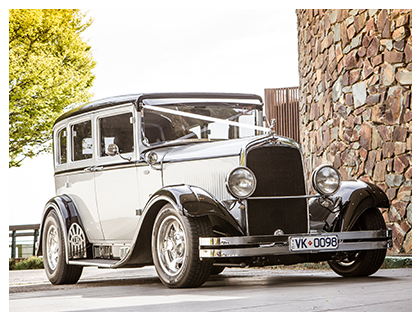 1929 Silver Dodge Sedan Hire – Silver and Black